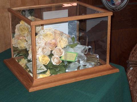 Best Wedding Bouquet Display Case Pictures - Styles & Ideas 2018 ...